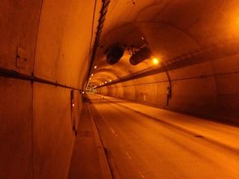 Section B 埼玉県トンネルを いくつ越えれば