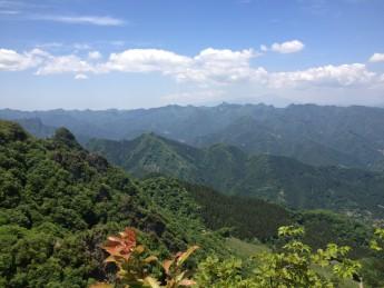 Section B 群馬県沸き立つようにそびえる山々と浅間山